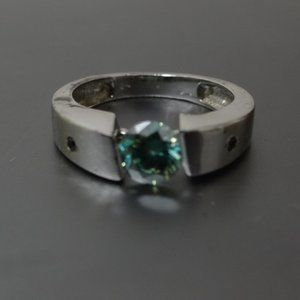 NWOT 1.65 ct Blue Moissanite .925 Silver ring 7